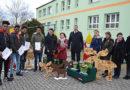 Selbstgemachte Holzarbeiten junger Flüchtlinge für Kita in Schwarzheide