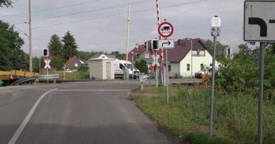 Vollsperrung des Bahnübergangs Elsterwerdaer Straße Lauchhammer-West